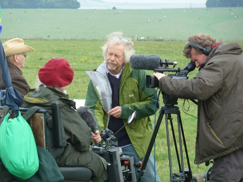 stonehenge-julian-richards-filming-liz-063-800x600