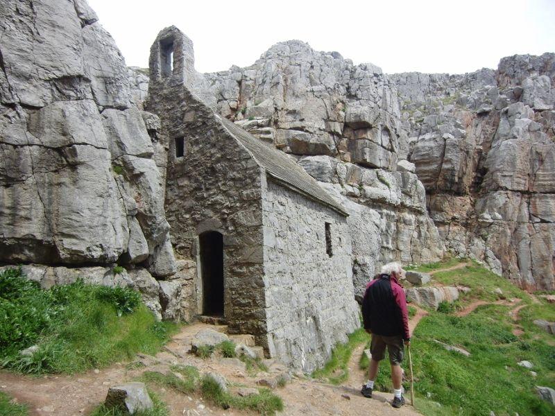 Stack Rocks to St Govan's Head 035 (800x600).jpg